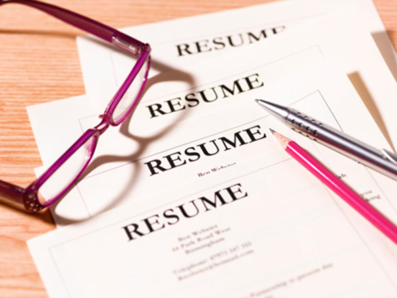 help resume writing Index of local resume services, by state and city also, in-depth reviews of online resume writers, and links to major employers in select us cities.