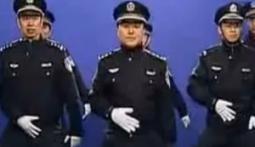 Танцы таможенников Владивостока поддержали китайские полицейские