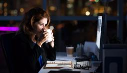 Этот устаревший подход к работе не помогает нам – он нас тормозит