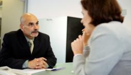 Топ-25 вопросов выходного интервью: уделите немного внимания перед уходом