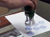 Надо ли ставить печать в трудовой книжке при приеме на работу